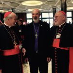 Thomas Schirrmacher with the presidents of the German and Austrian Bishops Conference, Cardinal Marx and Cardinal Schönborn, Munich and Vienna, in the hall of the synod building of the Vatican (2015)
