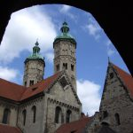 Nice view from the courtyard to the Cathedral of Naumburg (2009)