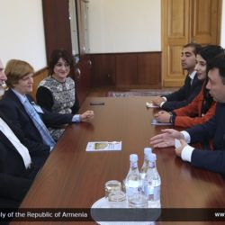 Thomas Schirrmacher in the Armenian Parliament with Eduard Sharmazanov, since 2011 Vice President of the National Assembly of the Republic of Armenia and Spokesman of the Republican Party (official parliamentary photo) © National Assembly of the Republic of Armenia