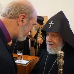 Thomas Schirrmacher welcomes the Armenian Catholicos and Patriarch Karekin II in Berlin to commemorate the Reformation in 2017 © BQ/Schirrmacher