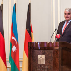 Markus Grübel speaks on behalf of the Federal Government © Embassy of Azerbaijan in Berlin